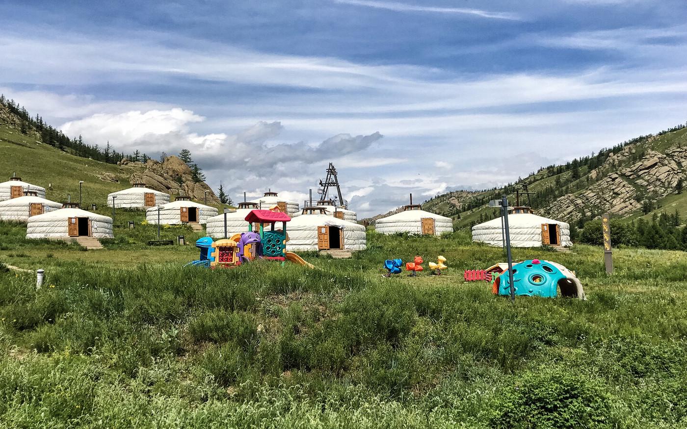 Ger camp w Mongolii przyjazny rodzinom z dziećmi