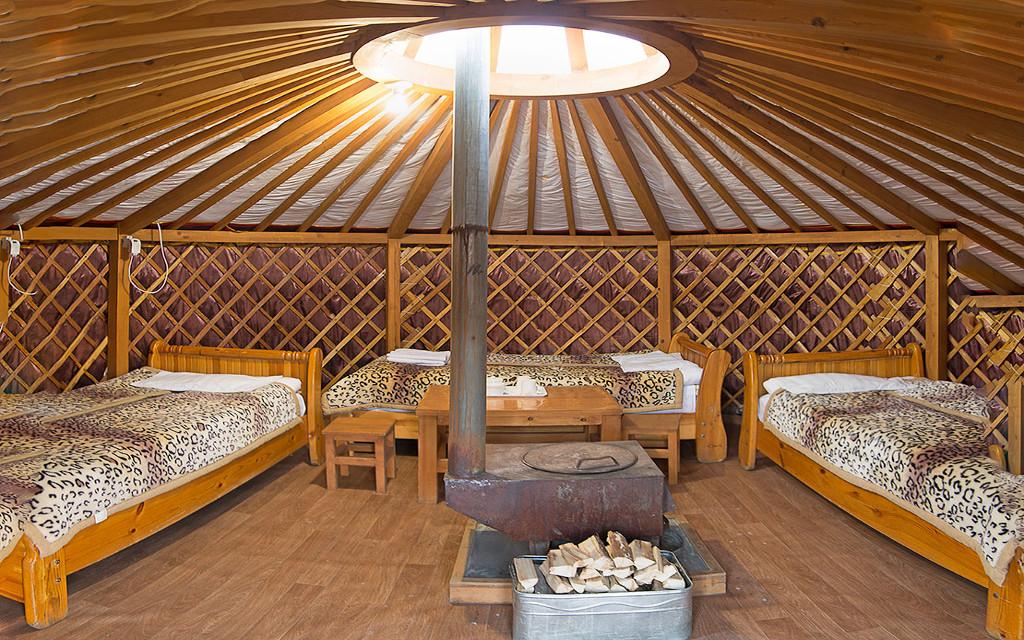 Trzyosobowa jurta mongolska
