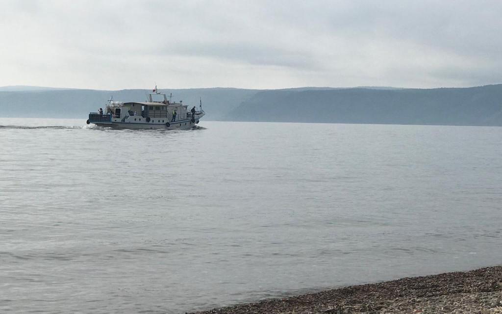Żegluga na Jeziorze Bajkał