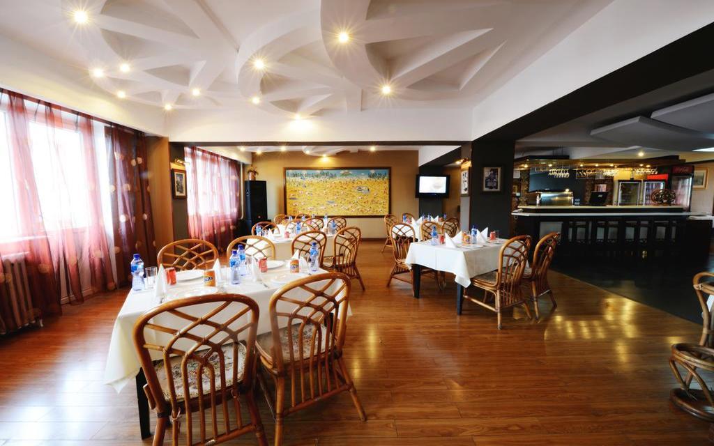 Restauracja w hotelu Bayangol w Ułan Bator
